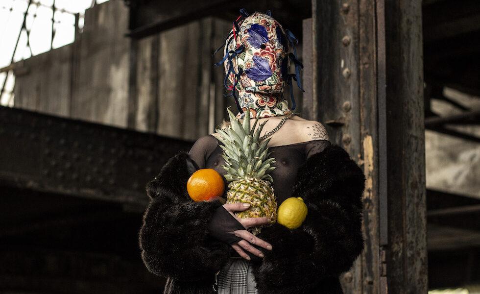 Androgyne-nantes-shooting-bodies-cagoules-masks-8